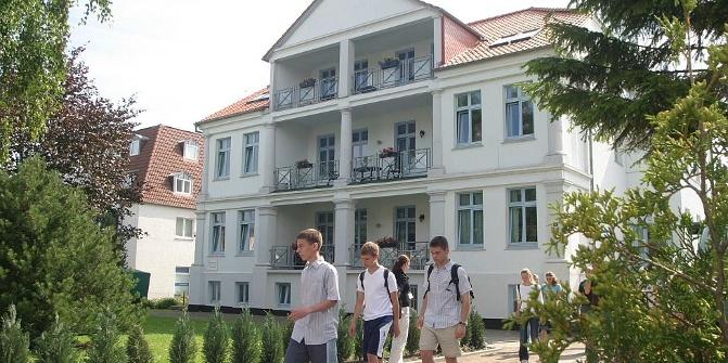awo haus k hlungsborn herberge hostel. Black Bedroom Furniture Sets. Home Design Ideas