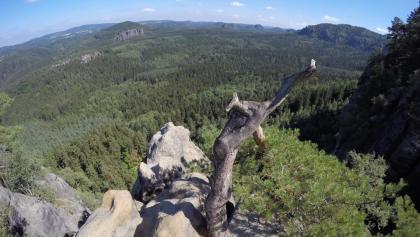 Aussicht vom Aussichtsfelsen zwischen dem unteren und dem oberen Teil der Häntzschelstiege