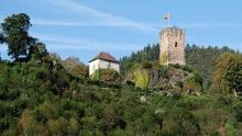 Auf Felsenwegen von Hornberg zu den Schlossfelsen