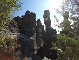Foto Zerklüftete Felsen im Bielatal