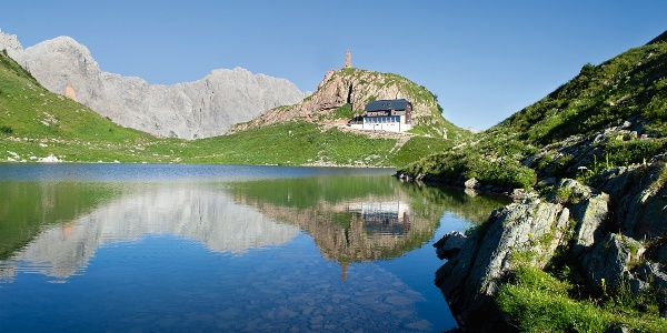 Wolayer See mit Wolayerseehütte