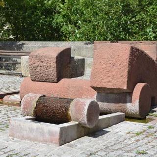 Moret-Brunnen an der Ecke Hauptstraße/Mühlweg in Külsheim