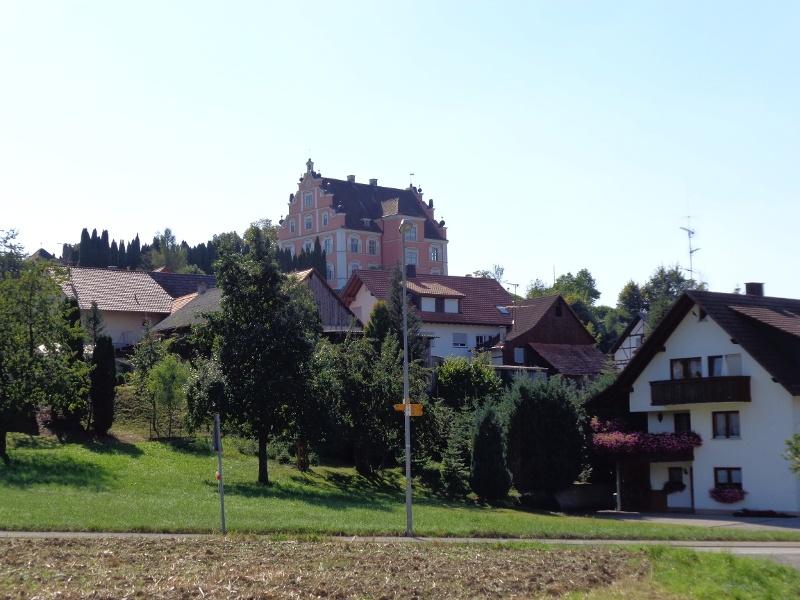 Naturgenuss auf dem Rundwanderweg mit Blick auf Schloss Freudental