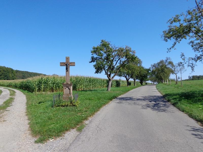 Abzweig am Feldkreuz