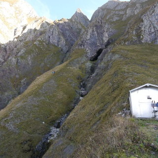 Die Biwakschachtel der Bergwacht an der Höfats