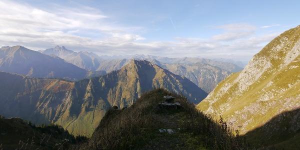 Blick von der Biwakschachtel über die Allgäuer Alpen