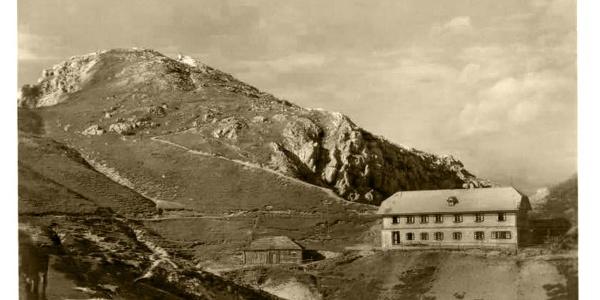 Rainer-Schutzhaus mit Hochobir (anno 1937)