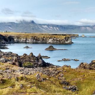 Halbinsel Snæfellsnes, Küstenabschnitt bei Arnarstapi