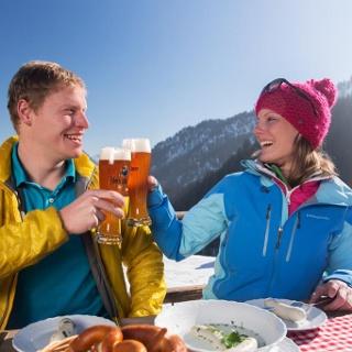 Schneeschuhwanderung Kolbensattelhütte - Weißwurstessen auf der Kolbensattelhütte