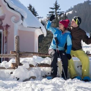 Schneeschuhwanderung von Unterammergau nach Oberammergau - an der Josephskapelle