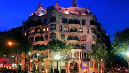 Nachtansicht des Casa Milà