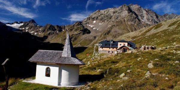 Blick von der Kapelle über das Westfalenhaus zum Hohen Seeblaskogl