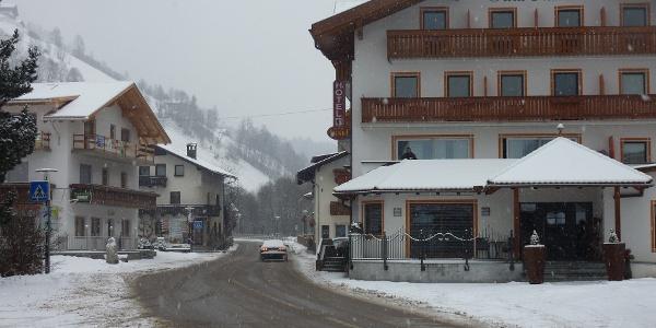 Steinhaus im Winter - Cadipietra in inverno