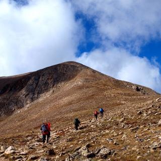 Anstieg am Rücken 3880m