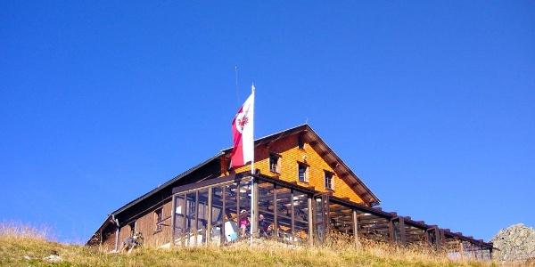 Tuxerjoch Haus des ÖTK mit 180°-Panorama-Wintergarten