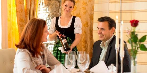 Genussvoll Essen und gelebte steirische Gastlichkeit im Garten-Hotel Ochensberger