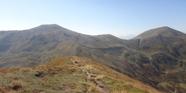 Blick über den Grat zum Hohen Lorenzenberg