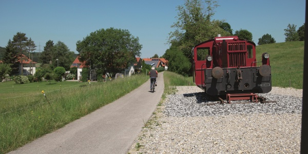 Frühere Lok entlang der Dampflok-Runde in Kaltental