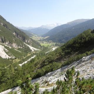Blick hinaus in das Obernberger Tal