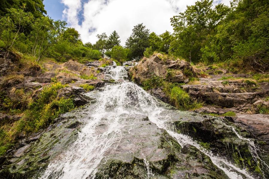 Abkühlung am Todtnauer Wasserfall