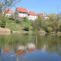 Die Klosteranlage über den Fischweiherm