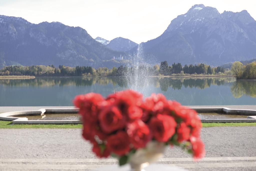 Blick vom Festspielhaus Füssen über den Forggensee auf Schloss Neuschwanstein - @ Autor: MS&P, Michael Schott - © Quelle: Tourismusverband Ostallgäu e.V.