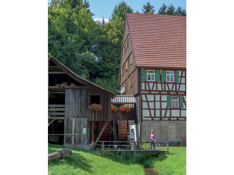 Idyllische Straße Tour A - Romantischer Mühlen- und Seenweg  - @ Autor: Beate Philipp  - © Quelle: Naturpark Schwäbisch-Fränkischer Wald