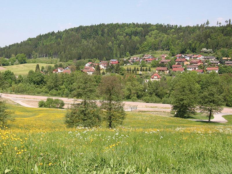 Blick auf Fichtenberg  - @ Autor: Beate Philipp  - © Quelle: Naturpark Schwäbisch-Fränkischer Wald