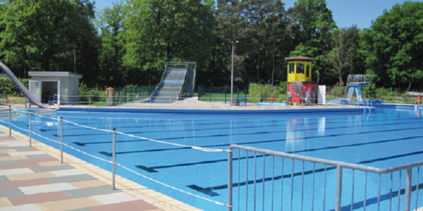 swimming pool paderborn schwimmbad und saunen. Black Bedroom Furniture Sets. Home Design Ideas