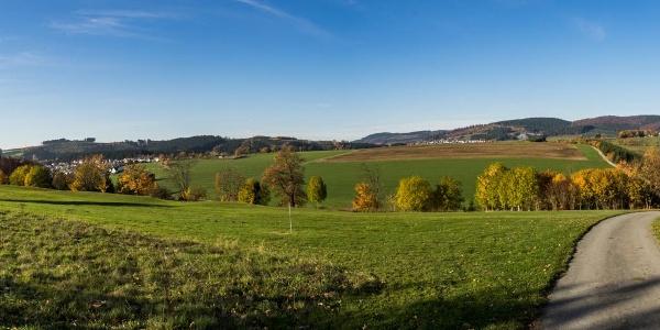 Blick auf Gleidorf und Holthausen im Sauerland