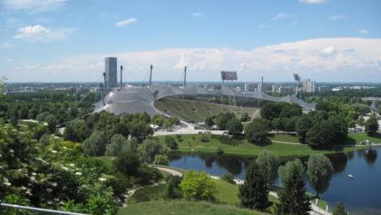 Blick vom Olympiaberg auf das Olympiastadion