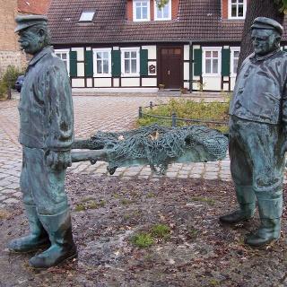 Fischerbrunnen in Arneburg