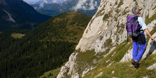 Panorama dalla cengia attrezzata verso il Col di Caneva