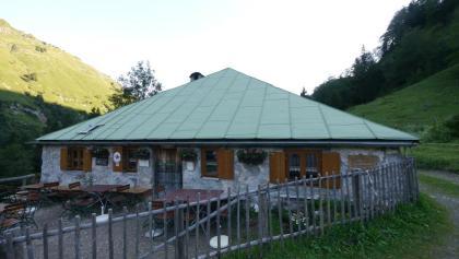 Blick auf die Bärgündele-Alpe