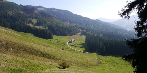 Die Alpe Untere Reuterwanne ist in Sicht