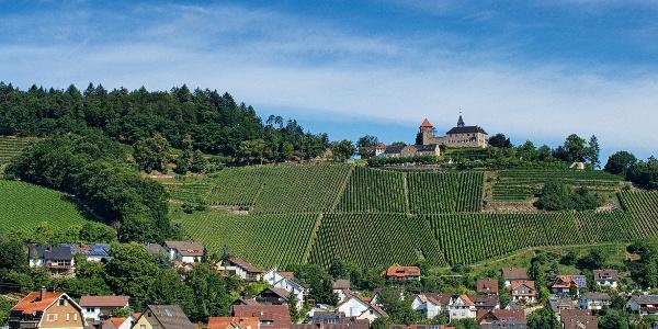 Schloss Eberstein thront über dem Murgtal