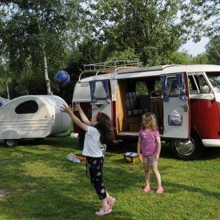 Ferienanlage Regenbogen: Camper