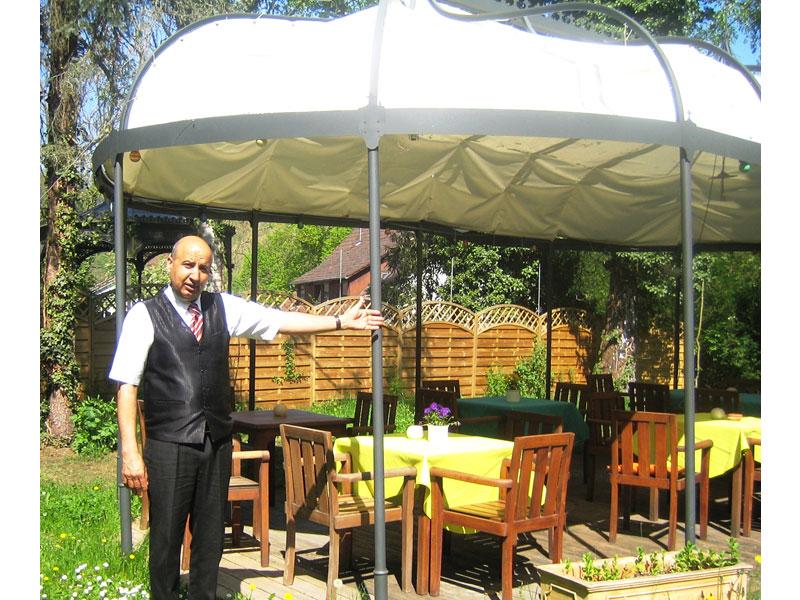 Indisches Flair im Garten des Restaurant Gandhi  - @ Autor: Beate Philipp  - © Quelle: Restaurant Gandhi