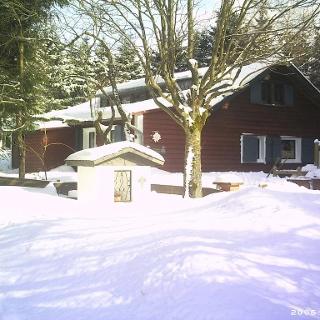 die Hütte im Winter