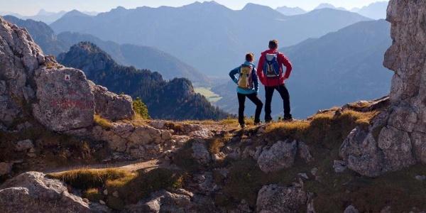 Panoramablick-Huettenwanderung-koenigliches-Huettenquartett