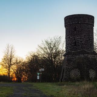 Der Dronketurm bei Sonnenuntergang