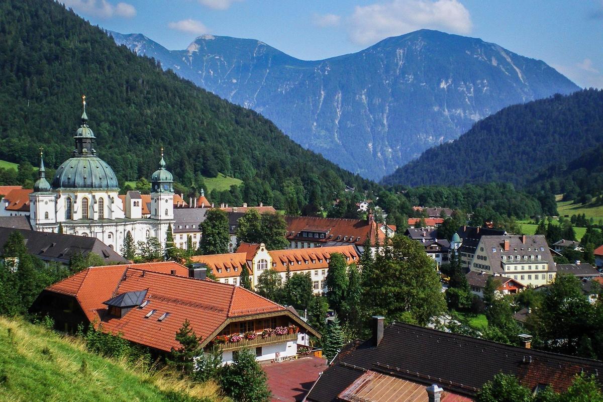 Hike – around Ettal Abbey | Oberammergau