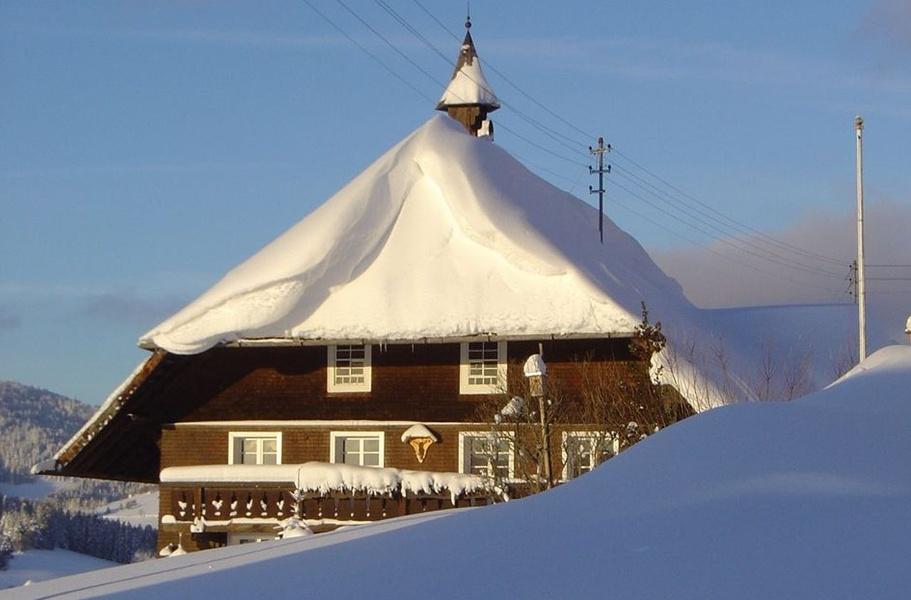 Winter - Bernau Schwarzwald: Rundweg durch malerisches Seitental bei Innerlehen
