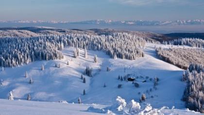 Blick auf die verschneite Krunkelbach-Hütte. Foto: Ute Maier