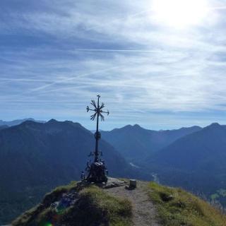 Bergtour - Teufelstättkopf, Sonnenberg und Kofel - Gipfelkreuz Sonnenberg