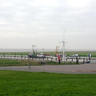 Schleifenroute - Wremen kleiner Hafen und Leuchtturm