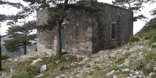 Lugarnica pod Svetim Ilijom