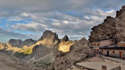 Großartig gelegene Grasleitenpasshütte