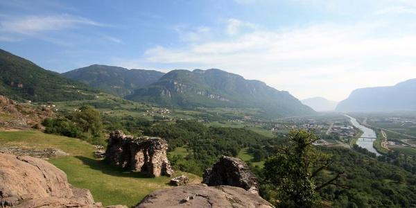 Itinerario Sud, Vino & bici: Gewürztraminer e Pinot Nero
