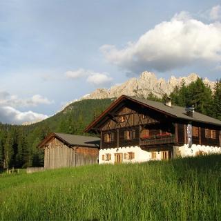 Häusler Sam hut